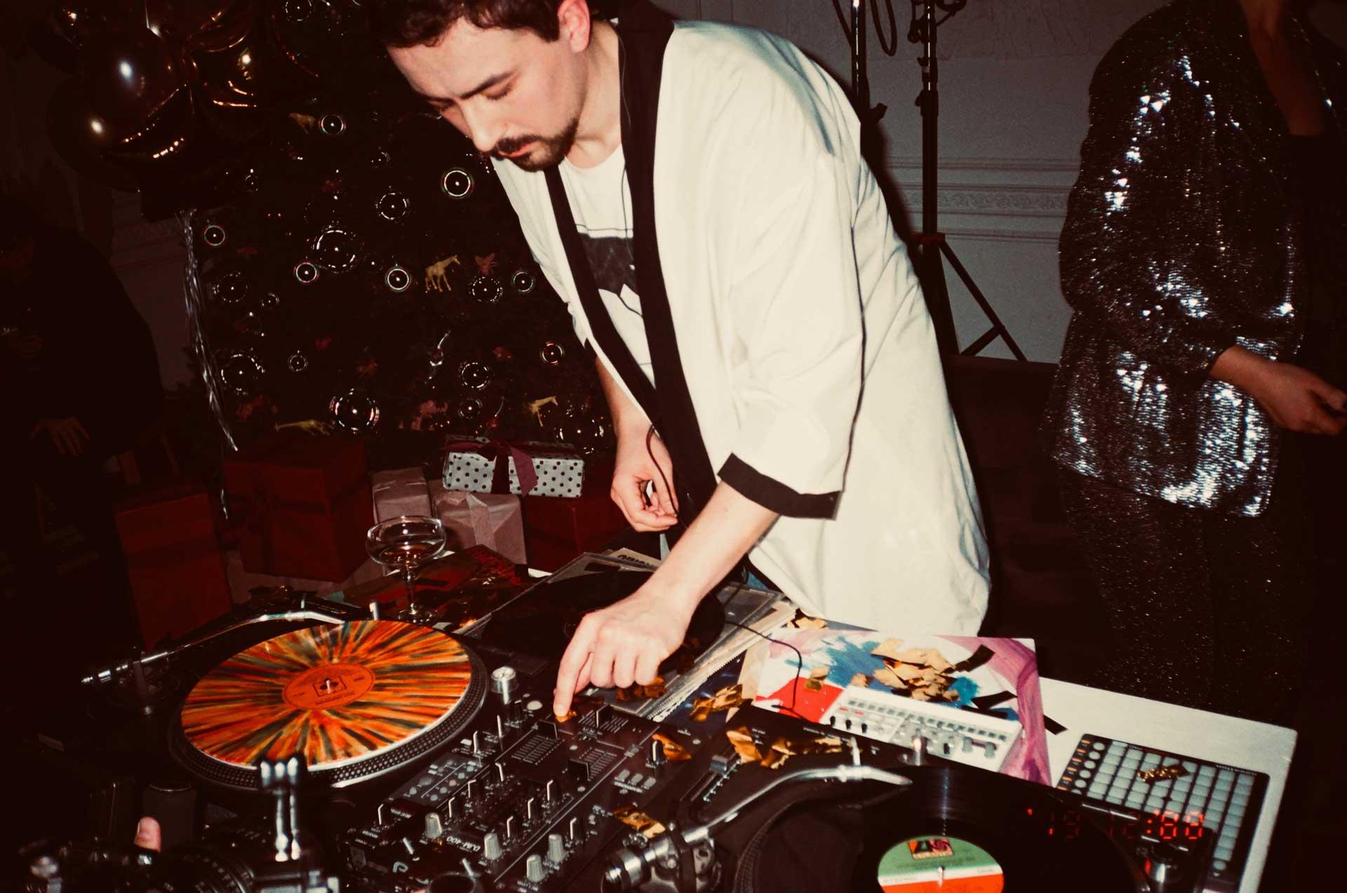ryan playing at 18th birthday party in toorak brighton